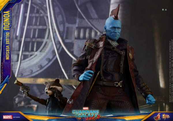 Hot-Toys-GOTGII-Yondu-Collectible-Figure-Deluxe-Version-4-600x420