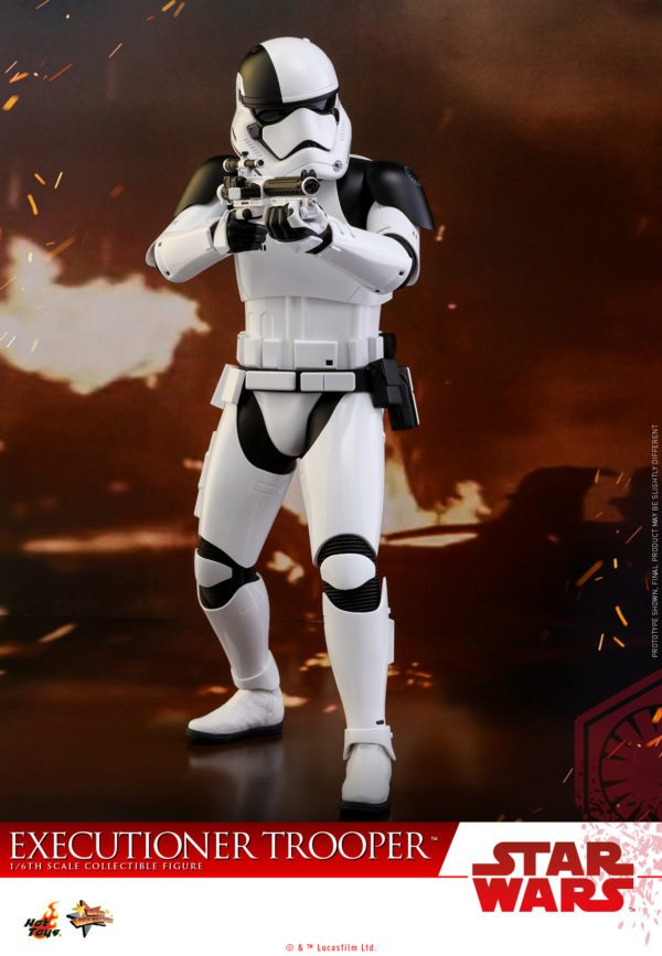 Hot-Toys-SWTLJ-Executioner-Trooper-Collectible-Figure_PR10-600x867