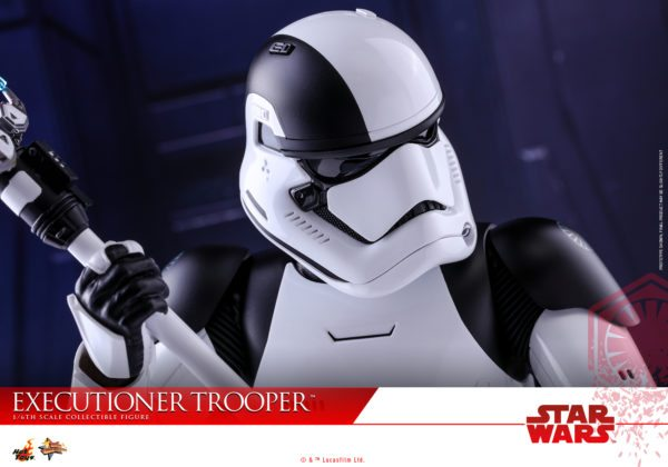Hot-Toys-SWTLJ-Executioner-Trooper-Collectible-Figure_PR16-600x420