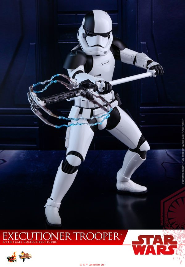 Hot-Toys-SWTLJ-Executioner-Trooper-Collectible-Figure_PR2-600x867