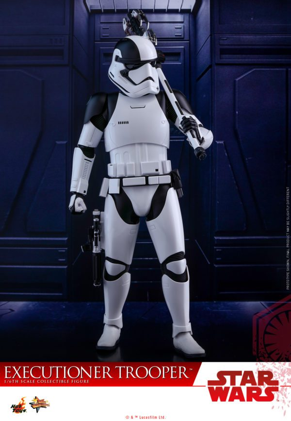 Hot-Toys-SWTLJ-Executioner-Trooper-Collectible-Figure_PR6-600x867