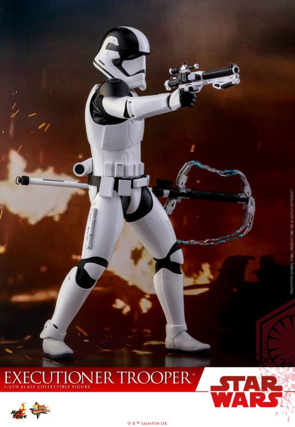Hot-Toys-SWTLJ-Executioner-Trooper-Collectible-Figure_PR7-600x867