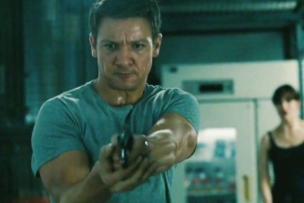 Jeremy-Renner-The-Bourne-Legacy-900-600-600x400-600x400