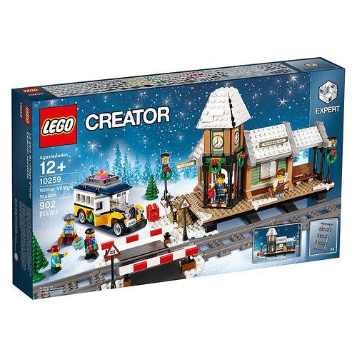 LEGO-Winter-Village-Station-1
