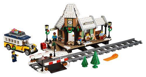 LEGO-Winter-Village-Station-3