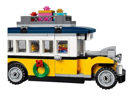 LEGO-Winter-Village-Station-6