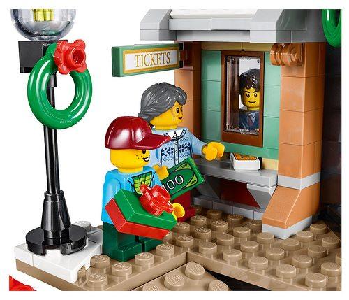LEGO-Winter-Village-Station-8