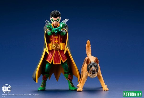 Super-Sons-Robin-Ace-the-Bat-Hound-2-Pack-2-600x408