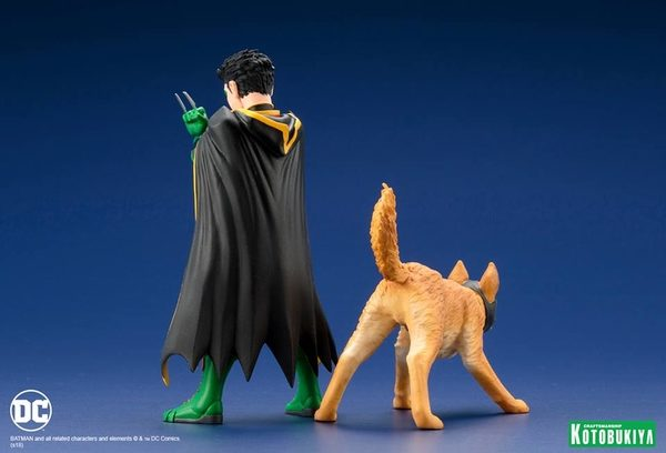 Super-Sons-Robin-Ace-the-Bat-Hound-2-Pack-3-600x408