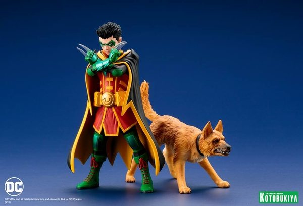 Super-Sons-Robin-Ace-the-Bat-Hound-2-Pack-4-600x408
