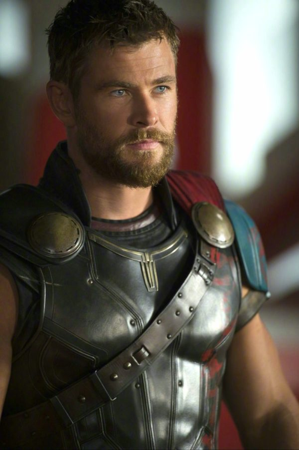 New Thor Ragnarok Images Featuring Thor Loki And Bruce Banner