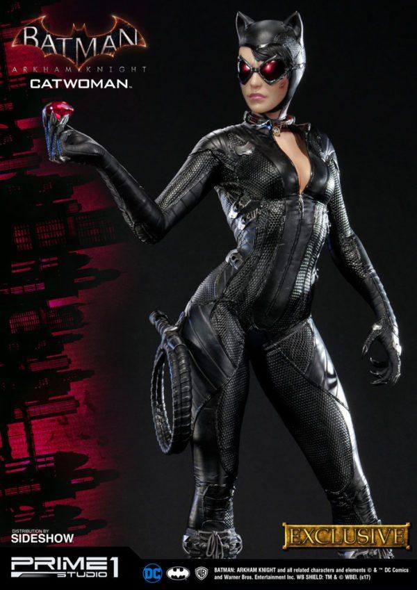 dc-comics-batman-arkham-knight-catwoman-statue-1-600x849