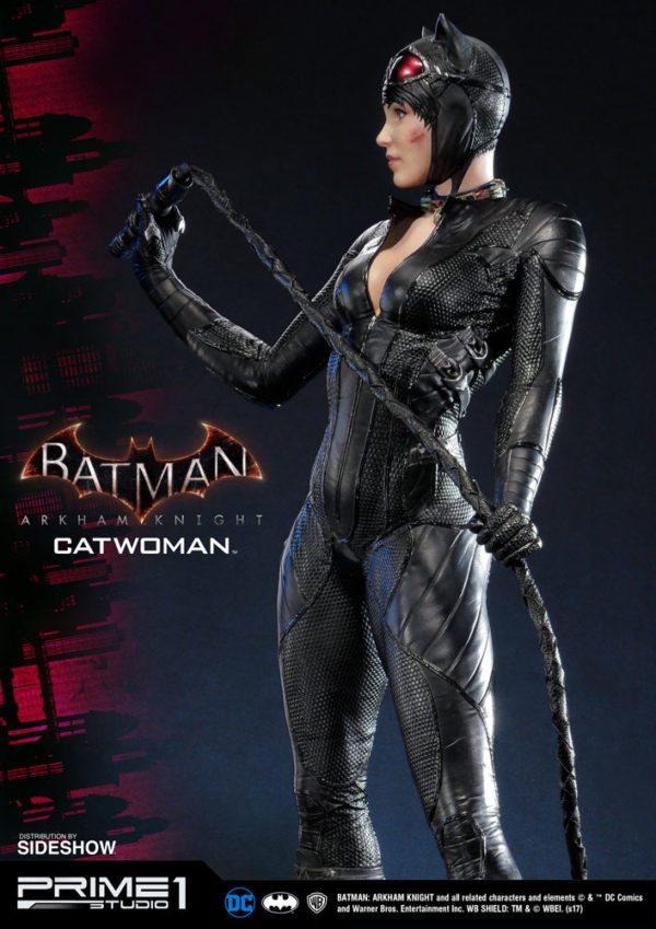 dc-comics-batman-arkham-knight-catwoman-statue-6-600x849