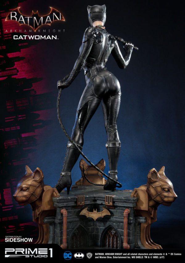 dc-comics-batman-arkham-knight-catwoman-statue-8-600x849