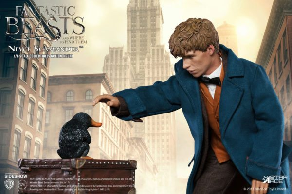 fantastic-beasts-and-where-to-find-them-newt-scamander-sixth-scale-figure-6-600x400