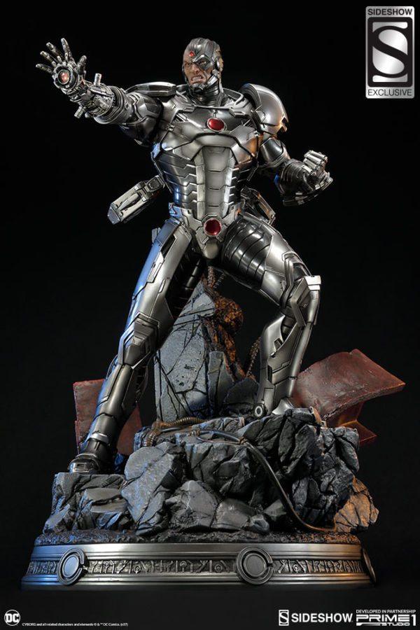 Cyborg-Statue-2-600x900