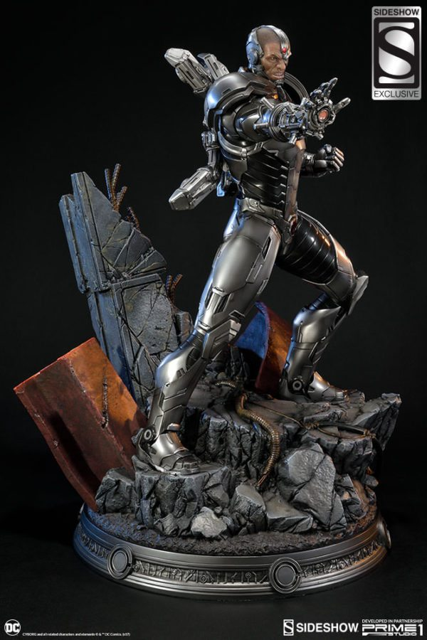 Cyborg-Statue-3-600x900
