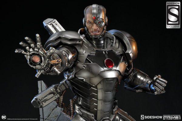 Cyborg-Statue-4-600x400