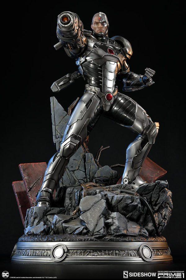 Cyborg-Statue-6-600x900