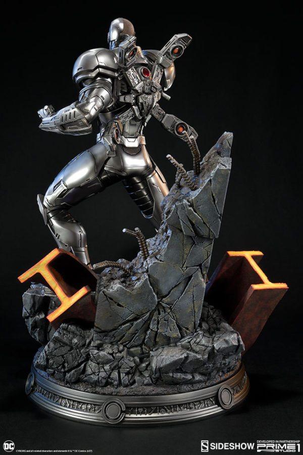 Cyborg-Statue-7-600x900