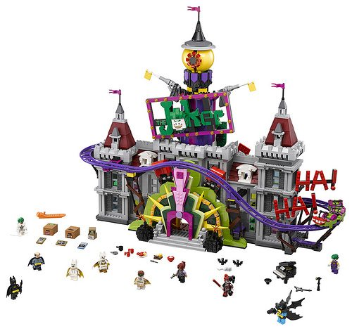 LEGO-Joker-Mansion-3