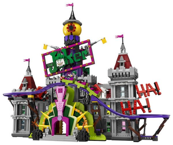 LEGO-Joker-Mansion-5-600x501