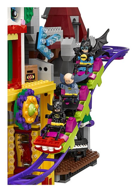 LEGO-Joker-Mansion-6