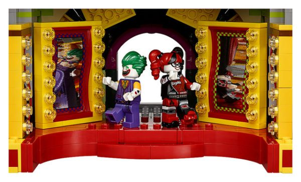 LEGO-Joker-Mansion-8-600x362