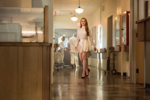 Riverdale-s2-premiere-11-600x401