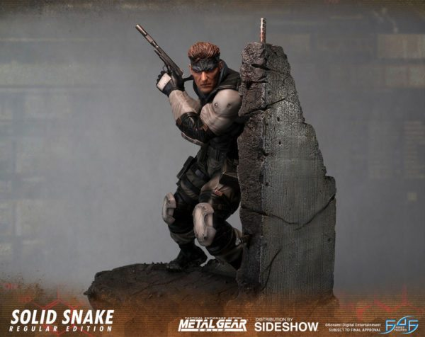 Solid-Snake-statue-4-600x476