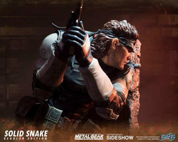 Solid-Snake-statue-7-600x476