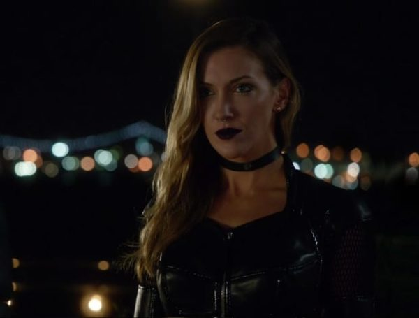Arrow-Black-Siren-600x455