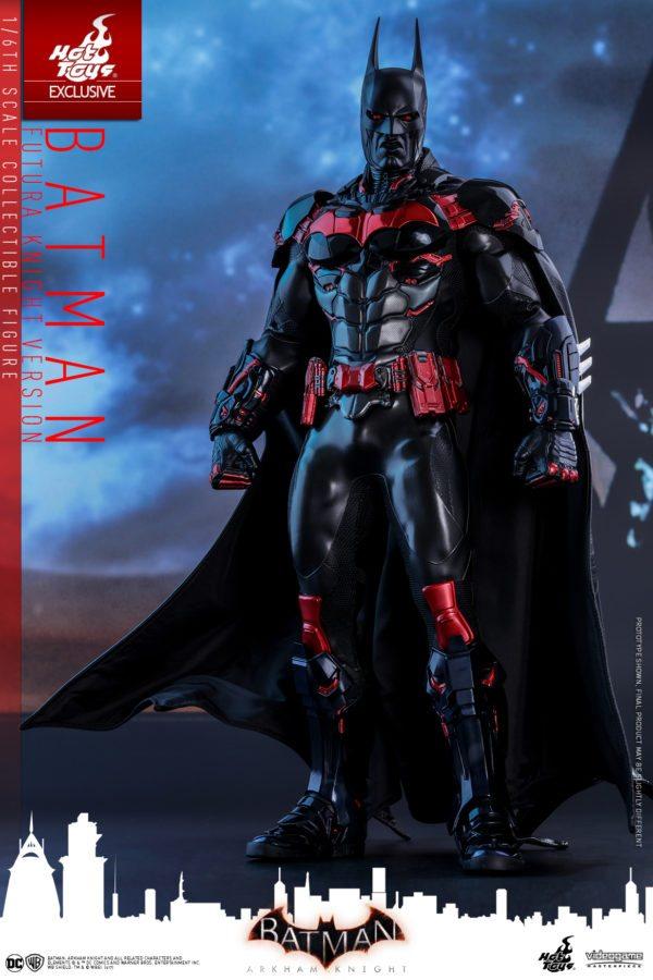 Batman-Futura-Knight-Version-Collectible-Figure-2-600x900