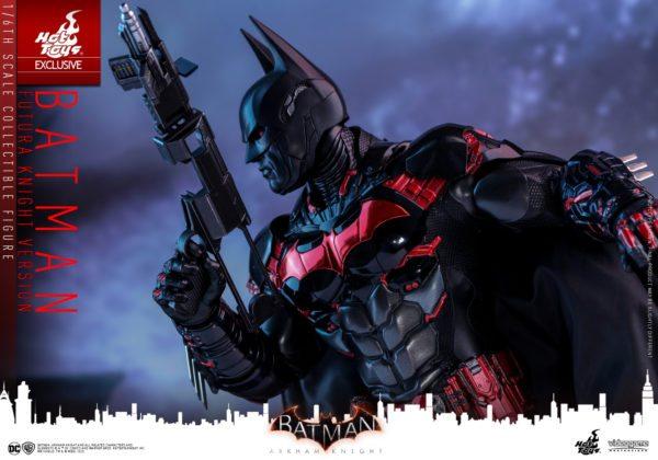 Batman-Futura-Knight-Version-Collectible-Figure-6-600x420