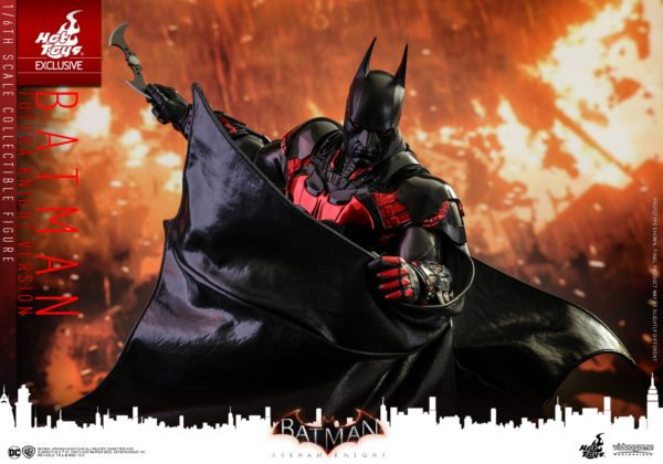 Batman-Futura-Knight-Version-Collectible-Figure-7-600x420