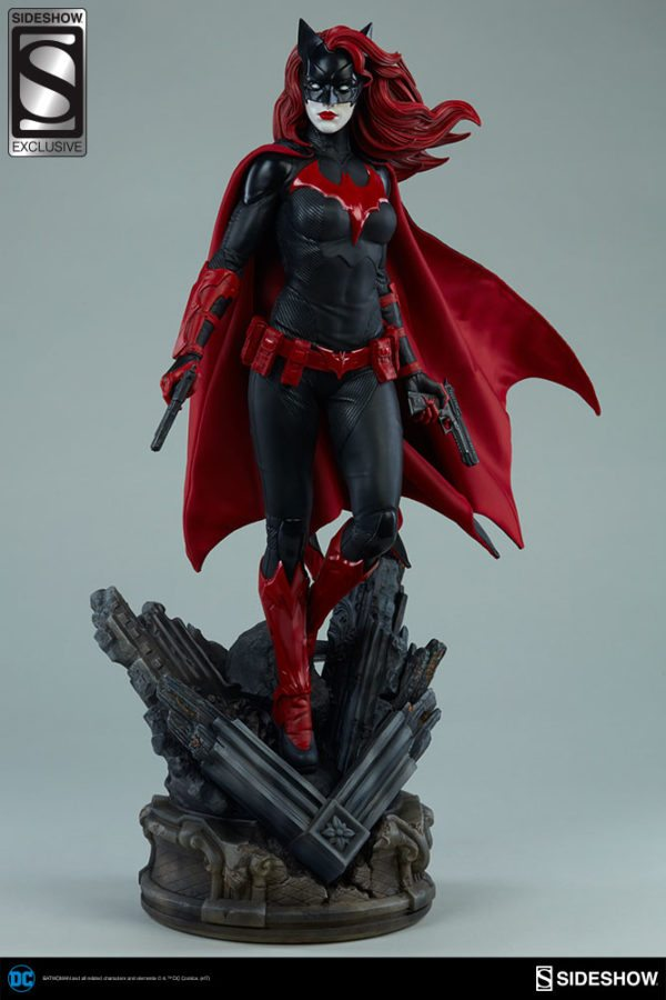Batwoman-Sideshow-Premium-Format-figure-2-600x900