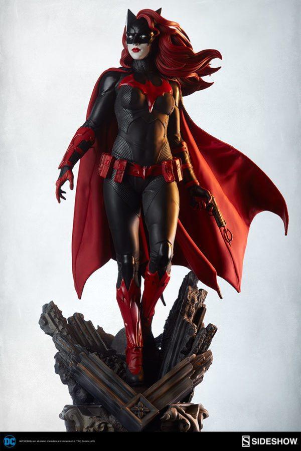 Batwoman-Sideshow-Premium-Format-figure-5-600x900