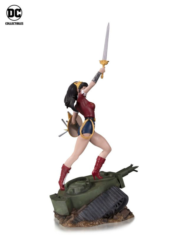 DC-Bombshells-Wonder-Woman-statue-3-600x840