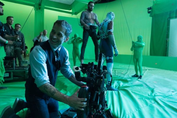 Justice-League-BTS-Snyder-Momoa-Affleck-8-600x400