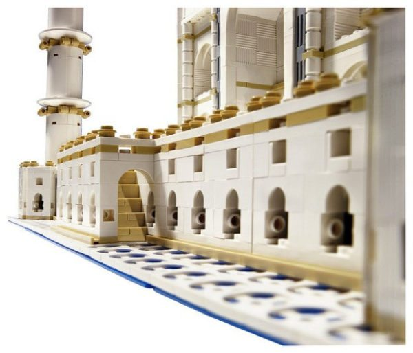 LEGO-Taj-Mahal-6-600x514