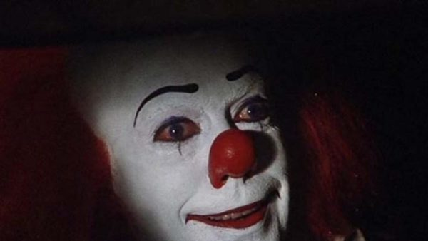 Pennywise-in-Sewer-600x338