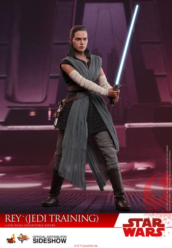 Star-Wars-The-Last-Jedi-Rey-Jedi-Training-Hot-Toys-4-600x867