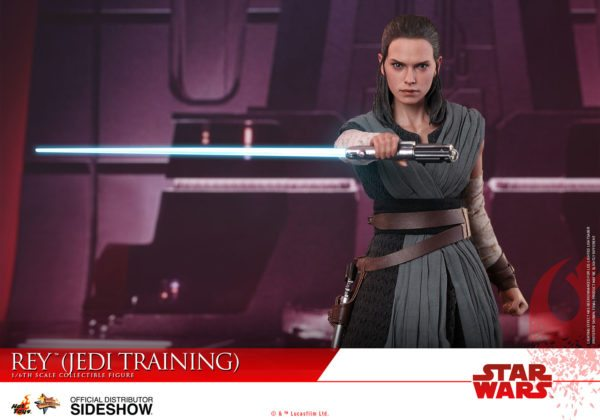 Star-Wars-The-Last-Jedi-Rey-Jedi-Training-Hot-Toys-5-600x420
