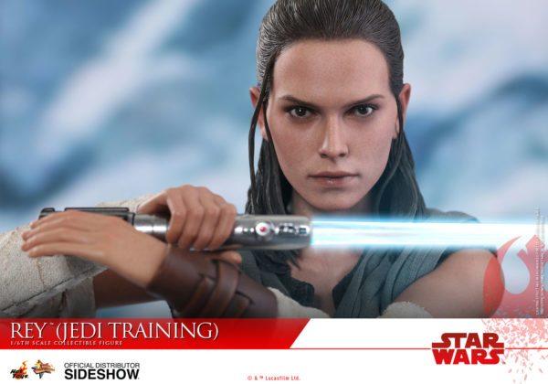 Star-Wars-The-Last-Jedi-Rey-Jedi-Training-Hot-Toys-7-600x420