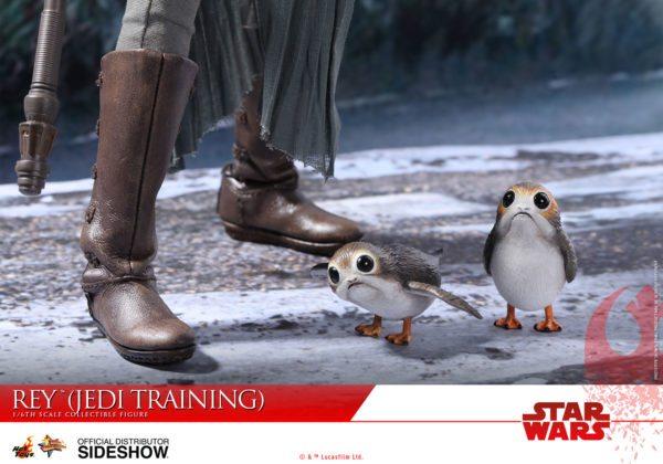 Star-Wars-The-Last-Jedi-Rey-Jedi-Training-Hot-Toys-8-600x420