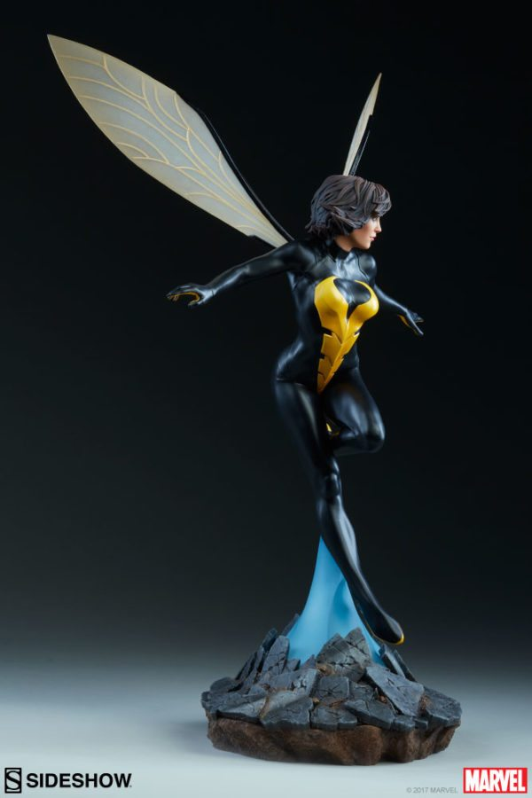 Wasp-Sideshow-statue-5-600x900