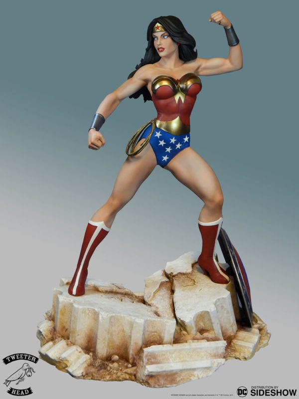 dc-comics-wonder-woman-maquette-tweeterhead-2-600x800