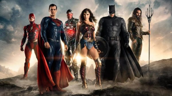 justice-league-movie-team-photo-600x337