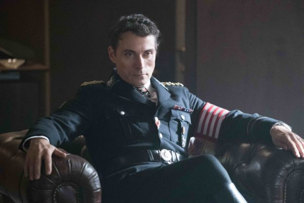 the-man-in-the-high-castle-season-two-MITHC_201_03003_rgbs-600x401