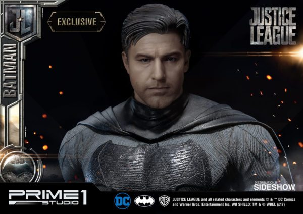 Batman-Affleck-Justice-League-statue-4-600x424